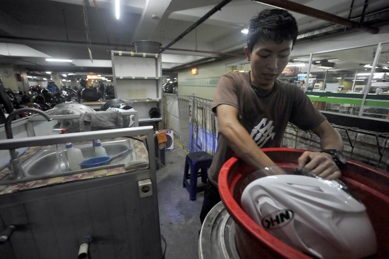 Peluang Usaha di Bidang Jasa Cara Mencari Dan Memanfaatkan Peluang Usaha Jasa Cuci Helm